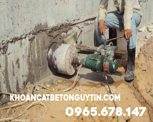 Khoan cắt đường bê tông ở Quận Hoàng Mai